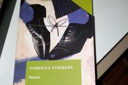 Cand o carte te bantuie, Noduri de Domenico Starnone