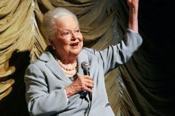 "Olivia de Havilland, o ""Melanie"" de 104 ani"